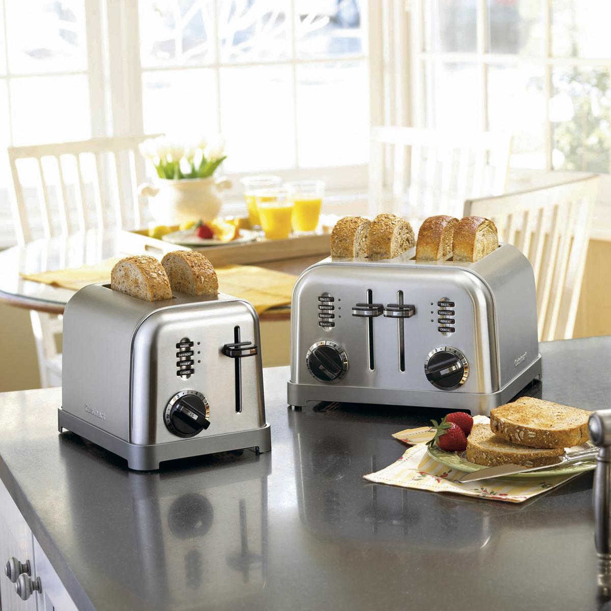 97d2a86b61b Metal Classic 4-Slice Toaster
